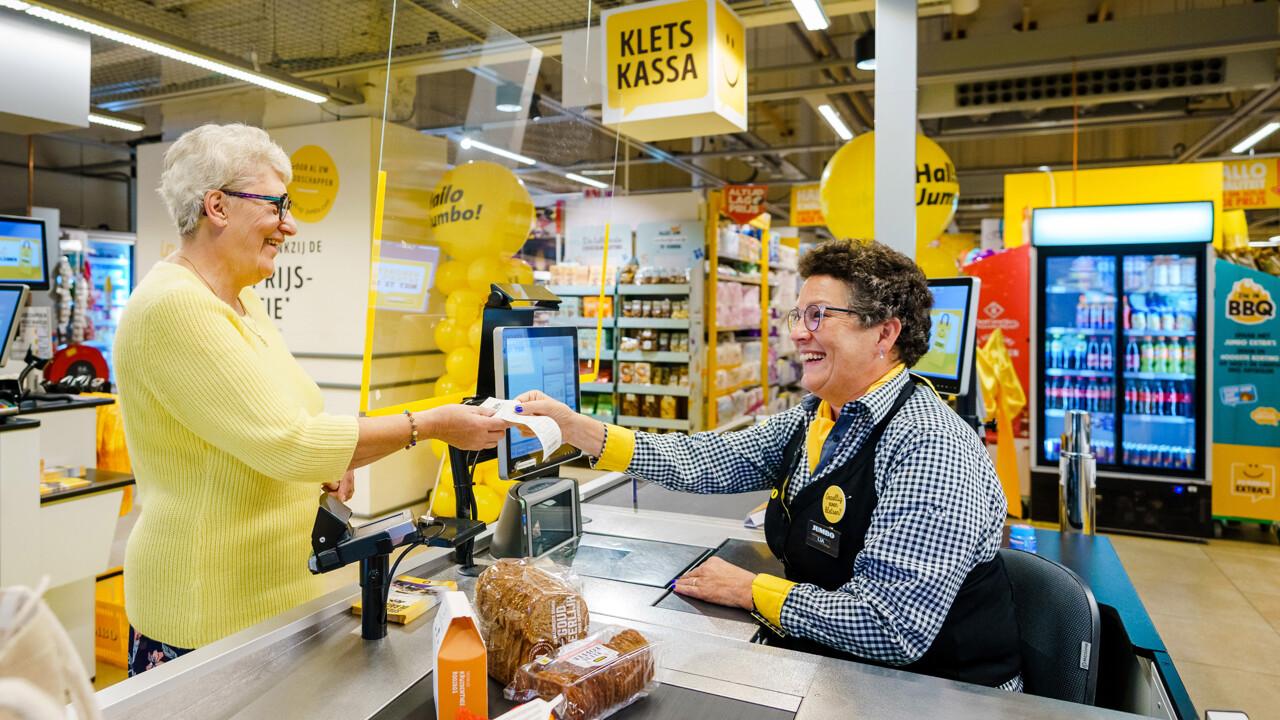Jumbo-supermercato-cassa-per-chiacchierare-solitudine-altavia-gdo.jpeg